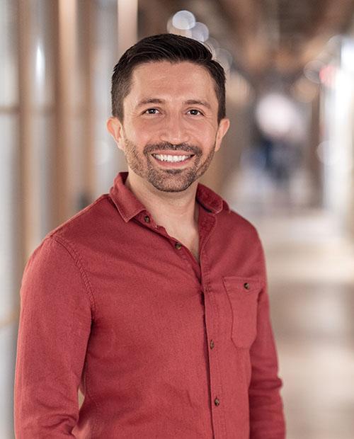 Author Yusuf Yildiz